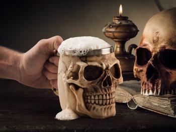 Skull Mug - Totenkopfbecher