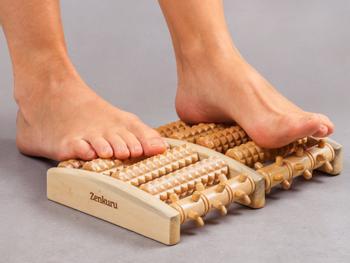 Zenkuru Fußmassageroller aus Holz