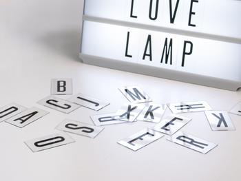 Zusätzliche Buchstaben für Cinema Lightbox