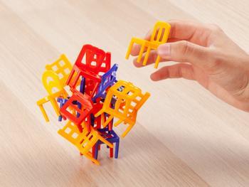 Stapelspiel Stühle Spralla