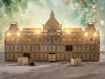 Magasin du Nord Exklusiver Adventskalender Aus Holz Mit Pralinen